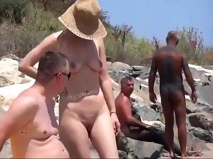 Nude Beach - Romanian Show Not present