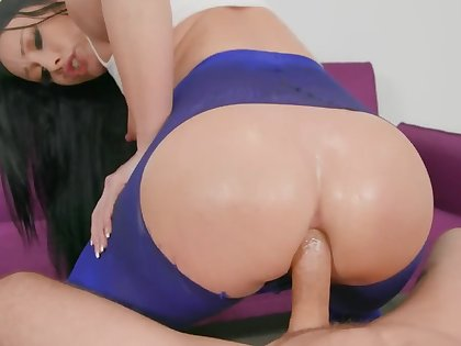 Jennifer White's big booty is getting gaped with Mick Blue's hard weasel words