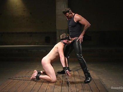 Muscular hunk deep fucks gay menial in BDSM