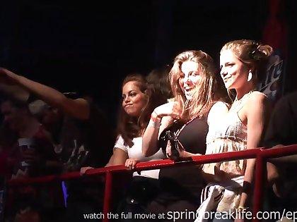 Shocker exhaust Break Girls On Stage Open-air