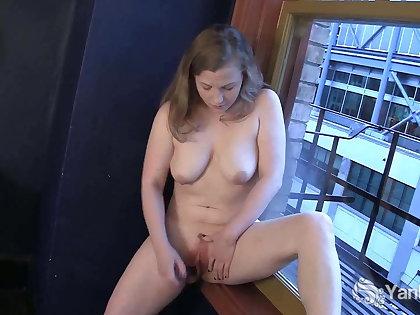 Yanks Lili Masturbating Hard