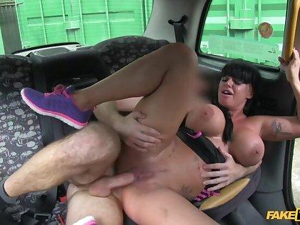Cabbie Fucks Brunette Beauty's Blowjob Lips And Big Ol' Tits