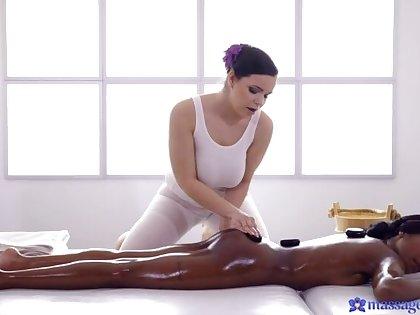 Czech masseuse treats blacklist UK babe
